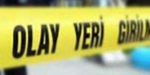 Diyarbakır eski Mardin yolu üzerinde kurcaladığı silahla kendini vurdu