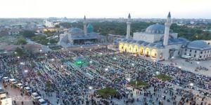 Konya'da binlerce çocuk sabah namazında buluştu