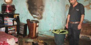 Mardin Derik'te esrarengiz ev yangını tedirgin ediyor