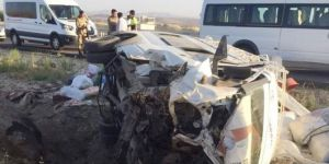 Çınarlı fındık işçilerini taşıyan minibüs kaza yaptı: 15 yaralı