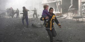 İdlib ve Hama topçu ateşiyle vuruluyor