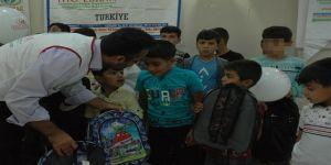 IHO-EBRAR'dan Çınar'da yetim öğrencilere kırtasiye yardımı