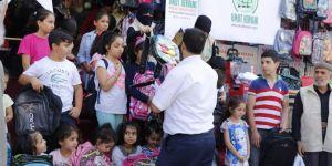 Umut Kervanı ve IHO EBRAR'dan kırtasiye yardımları