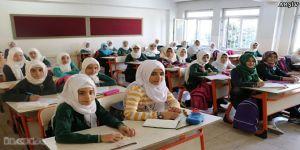 Okullarda ilk ders zili çaldı