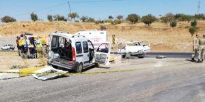 Bozova'da iki araç çarpıştı: 1 ölü, 5 yaralı