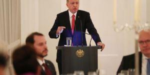 Cumhurbaşkanı Erdoğan: Teröristler Almanya'da elini kolunu sallayarak dolaşıyor