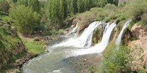 Muradiye Şelalesi yeni çehresiyle tanışıyor