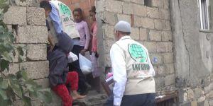 Ergani Kardeş-Der'den gıda yardımı