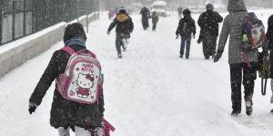 Bayburt'ta kar nedeniyle okullar tatil edildi