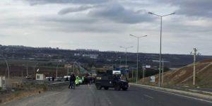 Diyarbakır-Silvan Karayoluki şüpheli araç fünye ile patlatıldı