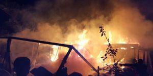 Çorum İskilip'te yangın: 5 ev kullanılamaz hale geldi