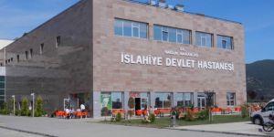 Gaziantep İslahiye'de otomobil ile minibüs çarpıştı: 16 yaralı