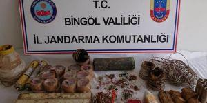 Bingöl'de PKK'ye ait sığınak ve patlayıcılar ele geçirildi