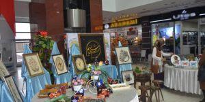 El sanatları sergisi açıldı