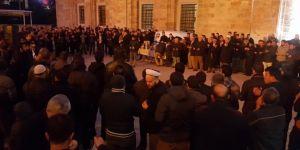 Bursalı Gençler Yemen için sabah namazında buluştu