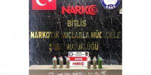 Bitlis'te araçta yapılan aramada 11 kilo eroin maddesi ele geçirildi