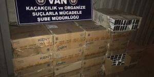Van Gürpınar'da 9 bin 400 paket sigara ele geçirildi
