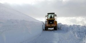 Hakkari'de 27 köy ulaşıma kapandı