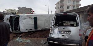 Kahta'da cenaze taşıyan araç kaza yaptı