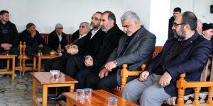 HÜDA PAR Genel Başkanı Sağlam Yaşar ailesinin taziyesine katıldı