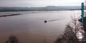 Diyarbakır İtfaiyesi, Dicle Nehrinde mahsur kalan işçileri kurtardı