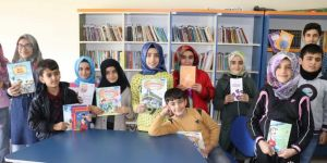 IHO-EBRAR'dan Bingöl'de öğrencilere kitap yardımı