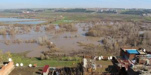 Dicle Nehrinde su seviyesi azalıyor