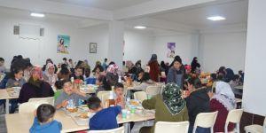Yetimler Diyarbakır'da yemekte buluştu