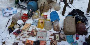 Bitlis'in Mutki ve Tatvan ilçe kırsalında PKK'ye ait patlayıcı ve yaşam malzemesi ele geçirildi