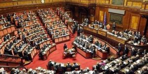 İtalya'da yolsuzluktan hüküm giyenler kamuda çalışamayacak