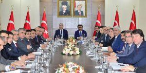Diyarbakır Sur' da yapılan çalışmalar masaya yatırıldı