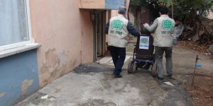 Umut Kervanı Antalya'da engelli bayanın yüzünü güldürdü
