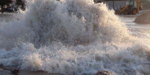 Nusaybin'de ana su borusu yine patladı