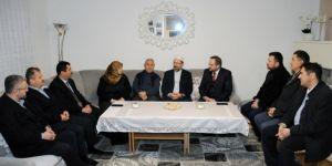 Erbaş'tan Neo-Naziler'in saldırısında çocuklarını kaybeden aileye ziyaret