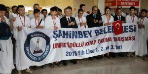 Gaziantep'te öğrenciler umreye dualarla uğurlandı