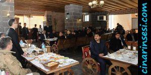 Kayapınar Mahalle Muhtarları ile toplantı gerçekleştirildi