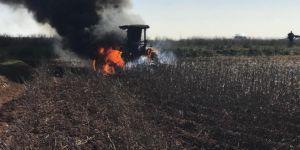 Akçakale'de traktör alev alev yandı