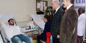 Dicle Üniversitesi tıp fakültesi öğrencilerinden kan bağışı