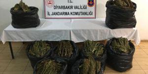 Diyarbakır Bismil'de yol kontrolünde 87 kilo esrar ele geçirildi