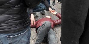 Batman Fatih Mahallesi'nde minibüs motosiklete çarptı: 1 yaralı