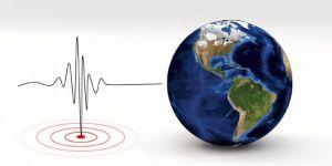 Endonezya'da 5.2 büyüklüğünde deprem