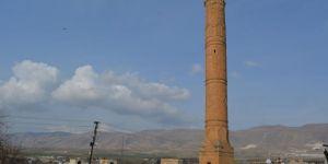 Er-Rızk Camii'nin minaresi 610 yıl sonra yeniden inşa edilecek