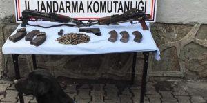 Hamur'da silah ve mühimmat operasyonu