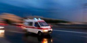 Adilcevaz'da polisleri taşıyan araç devrildi: 13 yaralı