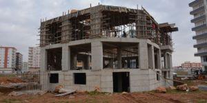 Kızıltepe'de cami ve taziye evleri yapılmaya devam ediliyor