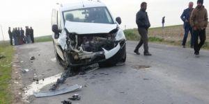 Kızıltepe'de kamyonet ile motosiklet çarpıştı: 1 ölü 1 ağır yaralı