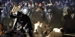 Fransa'da Buteflika karşıtı protestolara sert müdahale