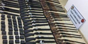 Hakkâri'de av tüfekleri ve malzemeleri ele geçirildi