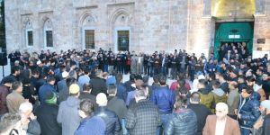 Bursalılardan Yeni Zelanda'daki şehidler için dua ve gıyabi cenaze namazı