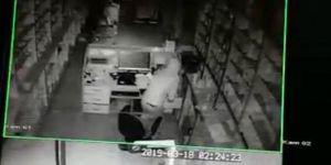 Solhan'da eczane hırsızlığı güvenlik kameralarında